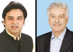 Usman Dar to now fight Khawaja Asif in court of people