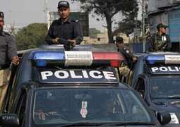 Robber killed, cops among three injured in encounter