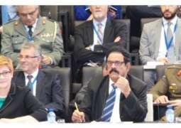وزير شؤون الدفاع يشارك في اجتماع الدول الأعضاء في التحالف الدولي لمحاربة تنظيم (داعش) الإرهابي