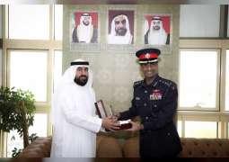 وفد بحريني يطلع على جهود شرطة أبوظبي في مجال أمن وسلامة المجتمع