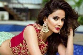 مشہور اداکارہ صبا قمر نے ویاہ کرن دا فیصلا کر لیا