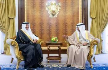 رئيس الوزراء بمملكة البحرين يستقبل الأمير سلطان بن سلمان بن عبدالعزيز