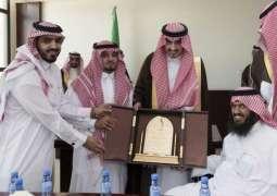 الأمير بدر بن سلطان بن عبد العزيز يستقبل أصحاب الهمم بمحافظة القريات