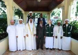 رئيس جزر القمر يشيد بجهود الإمارات الانسانية حول العالم