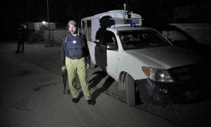 کوئٹہ: دہشت گرداں دا پولنگ سٹیشن اُتے حملا،1بندہ ہلاک، کئی زخمی
