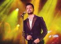 جشن آزادی دی پریڈ وچ عاطف اسلم نوں بھارتی گانا گانا مہنگا پے گیا پاکستانی کمیونٹی دا عاطف اسلم خلاف احتجاج تے نعرے بازی