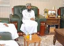 وفد بعثة حجاج سلطنة عمان يزور المؤسسة الأهلية للأدلاء بالمدينة المنورة