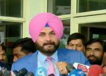 Sidhu arrives in Pakistan to attend Imran Khan's oath-taking