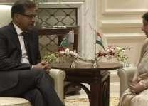 Caretaker Minister Ali Zafar meets Sushma Swaraj, extends condolences on demise of late Vajpayee