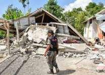 مقتل أکثرمن 13 شخصا في ضرب الزلزال في الجزیرة الاندونیسیة