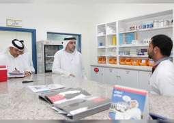 وكيل الصحة يتفقد مركز الخزان الصحي ومستودع الأدوية في أم القيوين