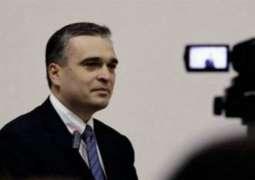 Azerbaijan frees opposition leader from jail