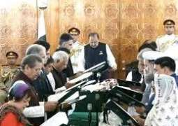 16رکنی وفاقی کابینہ نے حلف چک لیا
