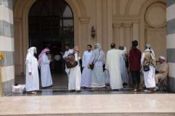 حجاج اليمن والسودان من ذوي الشهداء يودعون مكة المكرمة إلى المدينة المنورة