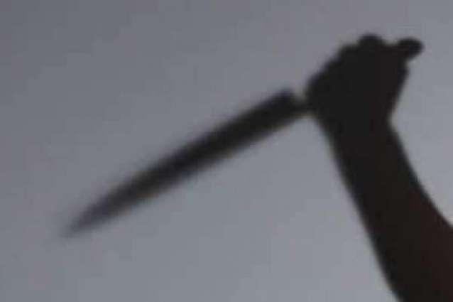 ویاہ دی اجازت نہ دین اُتے دھی نے پیو قتل کر دتا پولیس نے ملزمہ عائشہ تے اوہدے کزن نوں گرفتار کر لیا