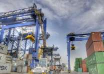13% زيادة في مناولة الحاويات المسافنة بميناء جدة الإسلامي