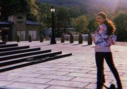 Alia Bhatt poses for boyfriend Ranbir Kapoor yet again