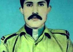 Corps Commander lauds sacrifice of Havaldar Lalak Jan Shaheed (NH) for defense of country