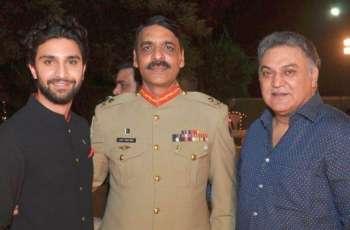 DG ISPR meets his hero Asif Raza Mir, extends best wishes