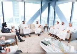 مكتوم بن محمد يستقبل الرئيس التنفيذي لشركة ماستركارد العالمية
