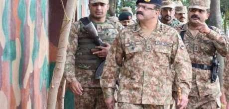 Corps Commander Rawalpindi visits troops at Siachin, Minimerg