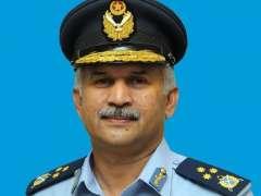 قائد القوات الجوية الباكستانية يستقبل نظيره الإيطالي