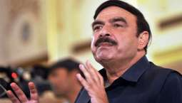 Sheikh Rashid expresses grief over loss of lives in train-rickshaw collision
