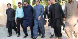Prime Minister visits newly built Bani Gala mosque