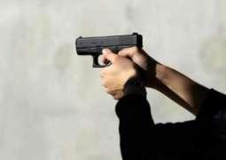 راولپنڈی:ہسپتال دے باہر فائرنگ،2بندے زخمی