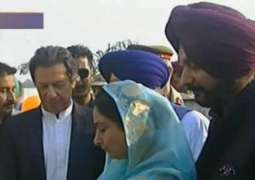 وزیر اعظم عمران خان نے کرتار پور راہداری دا نینہ پتھر رکھ دتا