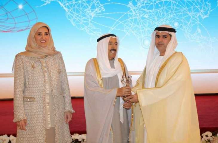 Emir of Kuwait honours Ministry of Human Resources and Emiratisation