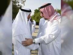سلطان بن زايد ورئيس منظمة الجواد العربي يبحثان سبل الحفاظ على السلالات الأصيلة للخيول العربية