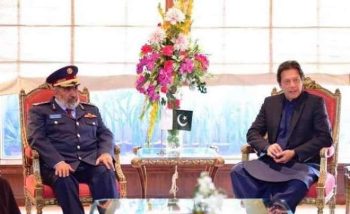 وزیراعظم عمران خان نال قطر ی فوج دے چیف آف سٹاف دی ملاقات قطر ی فوج دے چیف آف سٹاف نے وزیراعظم نوں امیر قطر تے وزیر اعظم دا سنیہا اپڑایا