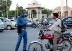 E-challan to be issued to helmet rule violators, LHC orders