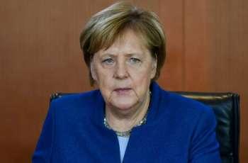 المستشارة الألمانیة تجري باتصال ھاتفي مع الرئیس الروسي