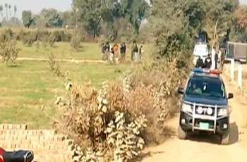 Couple found hanging from tree in Kasur
