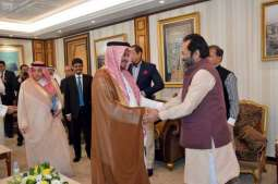 وزير الحج والعمرة يستقبل وزير شؤون الأقليات الهندي