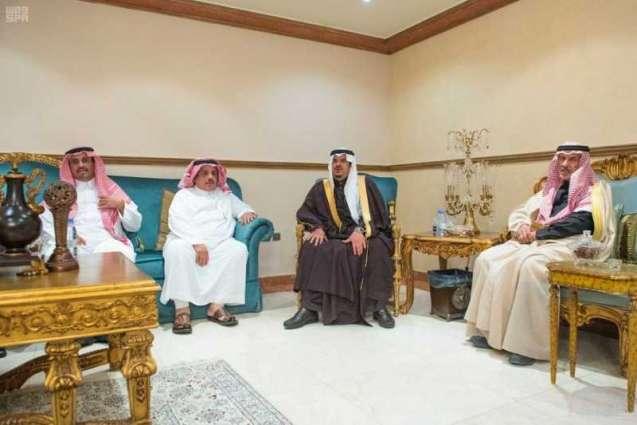 سمو نائب أمير الرياض يقدم العزاء في وفاة الأمير فهد بن سعود بن هذلول آل ثنيان - رحمه الله -