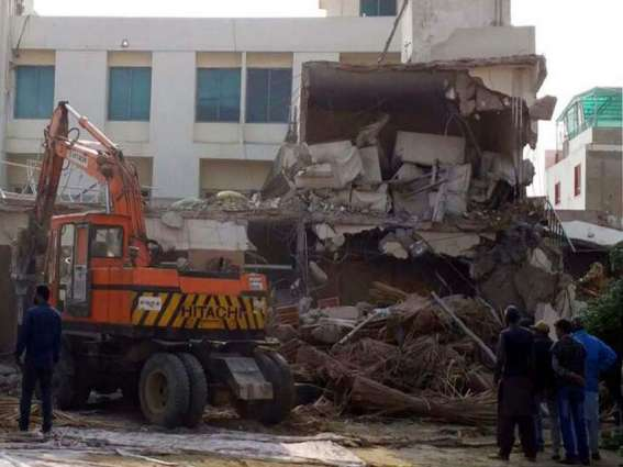 DMC- East Karachi removes dozens of illegal constructions, encroachments