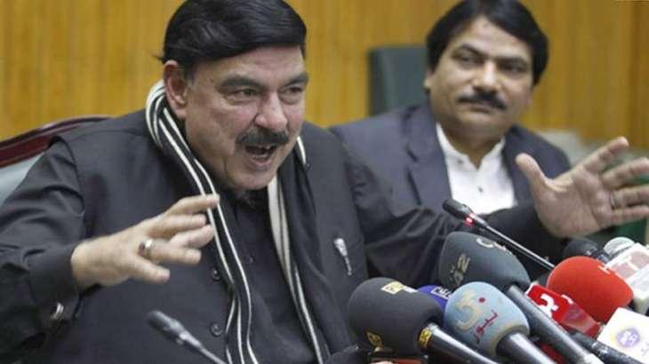 شیخ رشید بازی لے گئے وفاقی وزیر نے چنگی کارکردگی وکھان وچ سارے وزیراں نوں پچھانہ چھڈ دتا