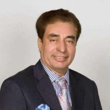 تحریک انصاف دے رہنما خواجا سعد رفیق دی حمایت وچ ساہمنے آ گئے  سابق وزیر ریلوے نوں 30سال توں جاننا واں، ایہ منن لئی تیار نہیں کہ اوہ کرپشن وچ ملوث ہو سکدے نیں: ریاض فتیانہ