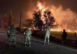 مقتل ما لا يقل عن20 شخصا وإصابة 54 آخرين في انفجار خط أنابيب وسط المكسيك