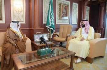 الأمير محمد بن عبدالعزيز يستقبل مدير الأحوال المدنية بجازان