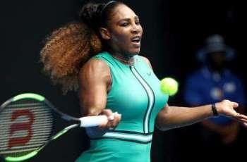 Serena blitzes Bouchard to reach Aussie Open third round