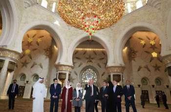 رئيس أرمينيا يزور جامع الشيخ زايد الكبير