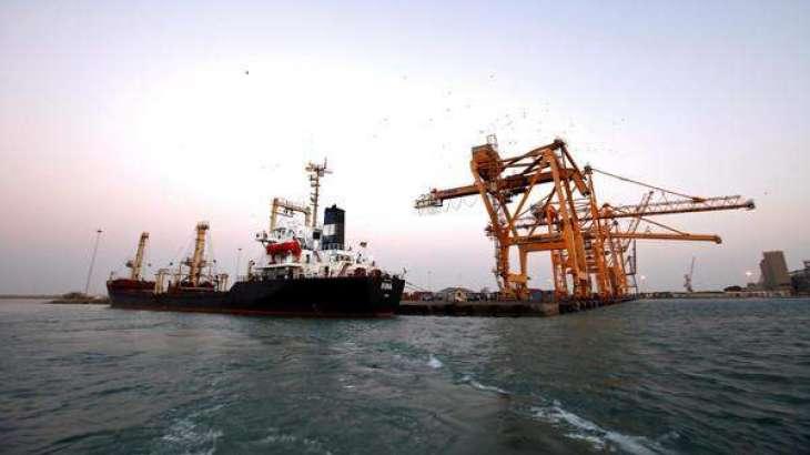 یمن دی بندرگاہیں تے آونڑ آلے 10 بحری جہازاں کوں پرمٹ جاری کیتے، عرب اتحاد