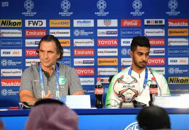 مدرب المنتخب السعودي : جاهزون للبنان غداً .. والالتزام  بالخطة سيضمن لنا الفوز