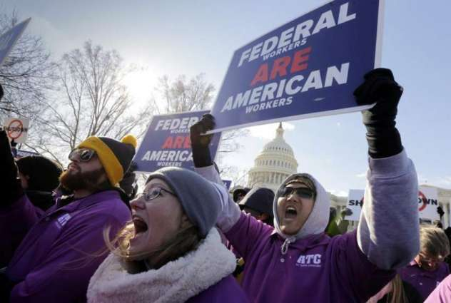 Frustration Mounts for Furloughed US Government Workers as Shutdown Drags On