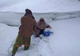 Valiant woman polio worker serves regardless of inclement weather