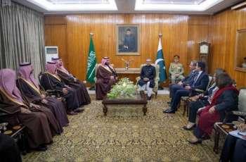 رئيس جمهورية باكستان يستقبل سمو ولي العهد